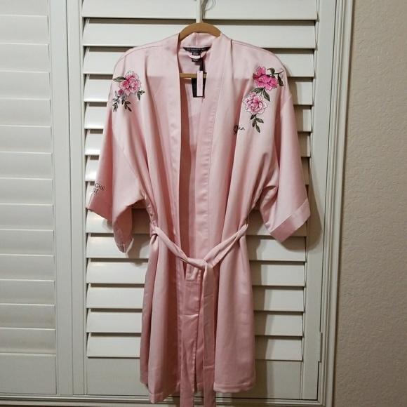 7de5739abf Shanghai 2017 Victoria s Secret Robe Collection